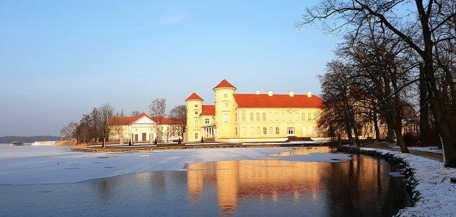 Rhbg_01_Schloss